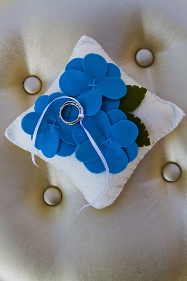 felt flower ring pillow